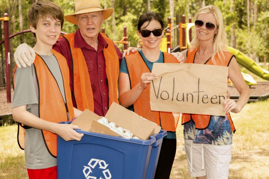 family-volunteering-clean-up